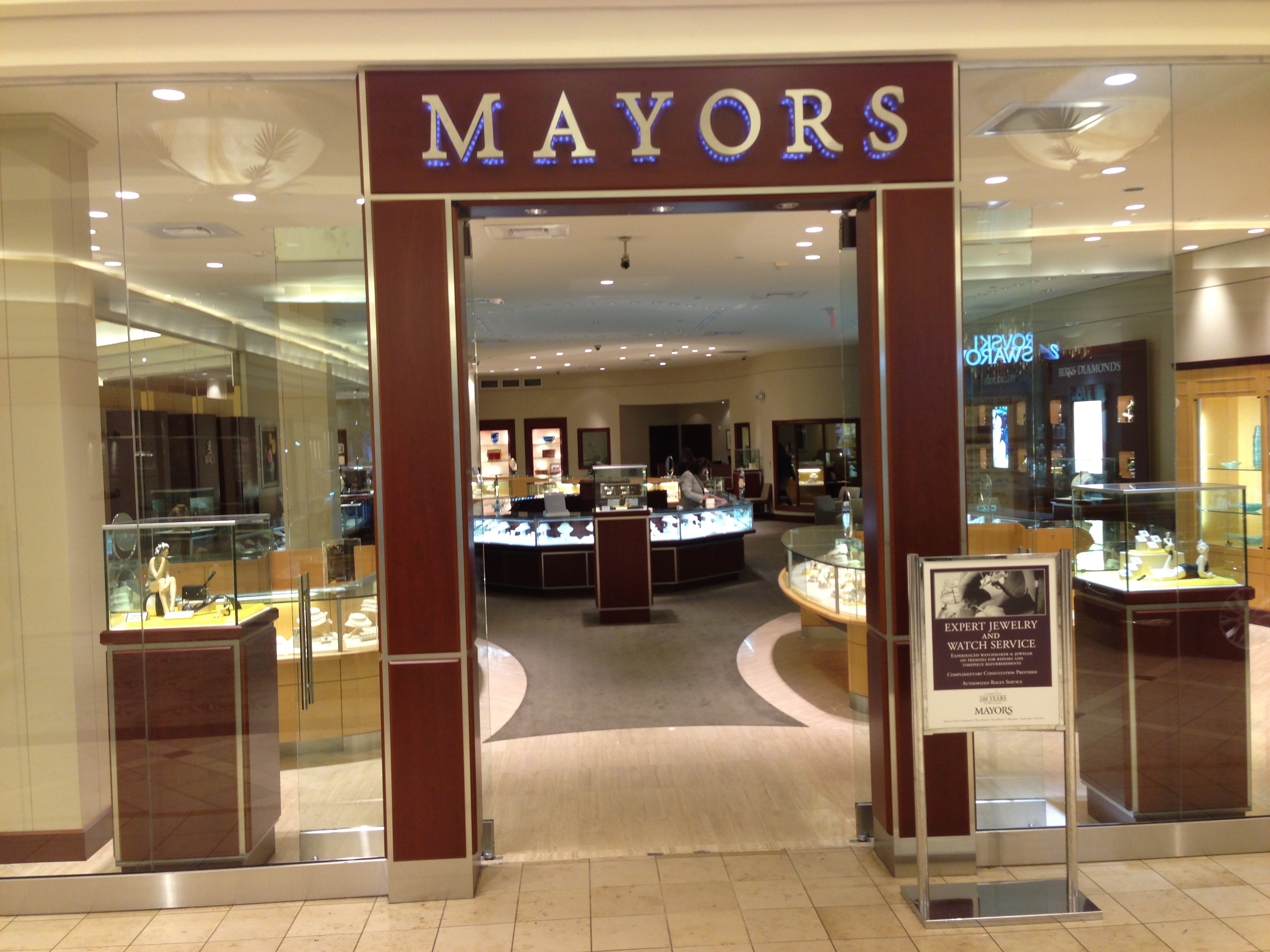 mayors jewelry style guru fashion glitz glamour